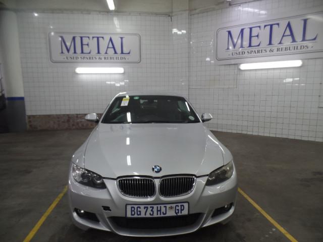 BMW 330i CONVERT SPORT A/T (E93)